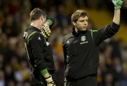 05/05/10 CLYDESDALE BANK PREMIER LEAGUE MOTHERWELL v HIBS (6-6) FIR PARK - MOTHERWELL Hibs physio Colin McLelland (right) gives goalkeeper Graeme Smith the thumbs up
